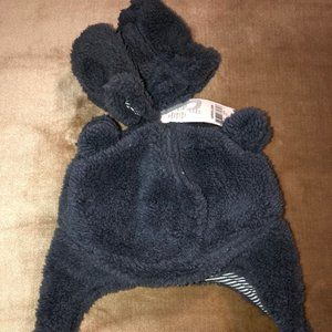 Fleece hat with gloves